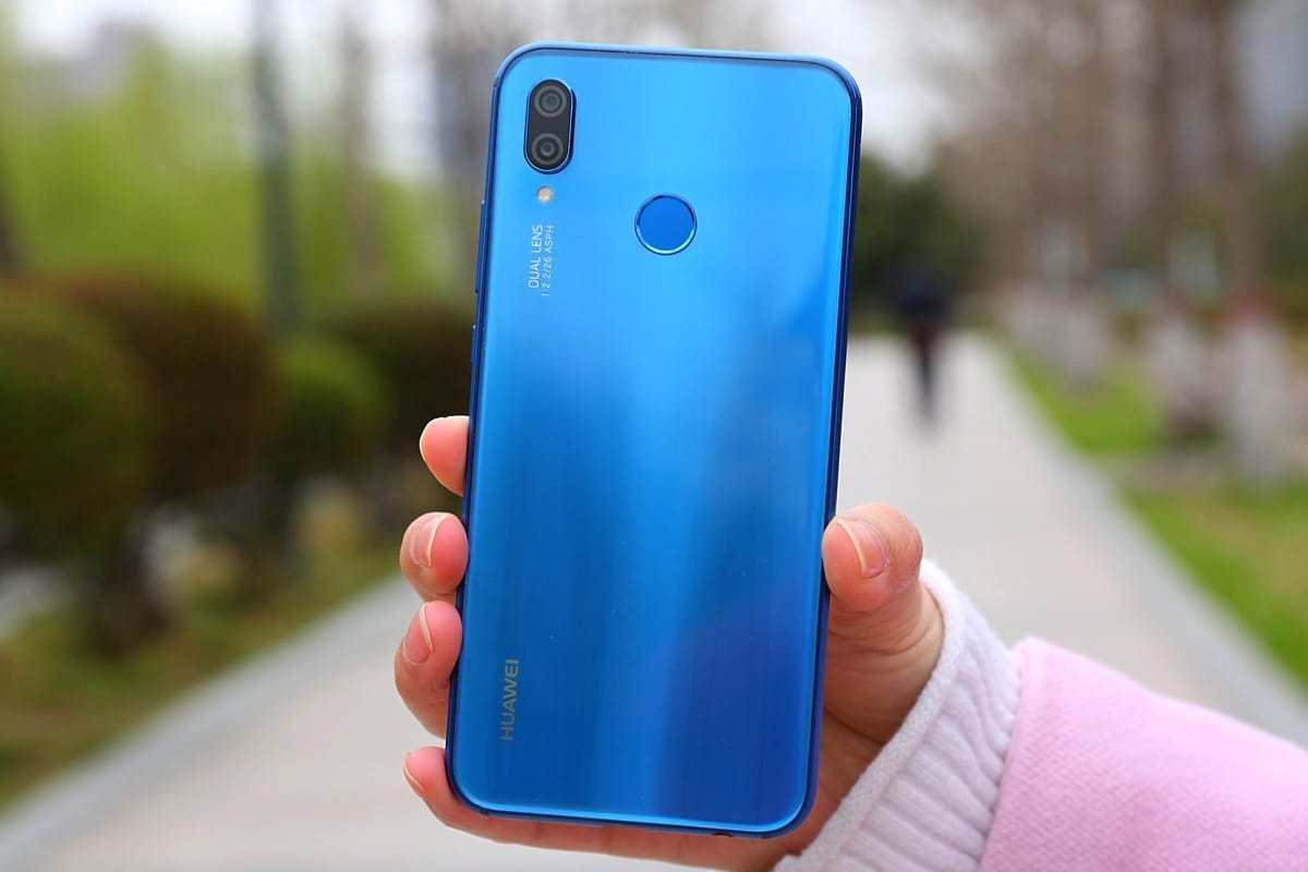 Huawei Mate 20 Pro бе видян в син цвят