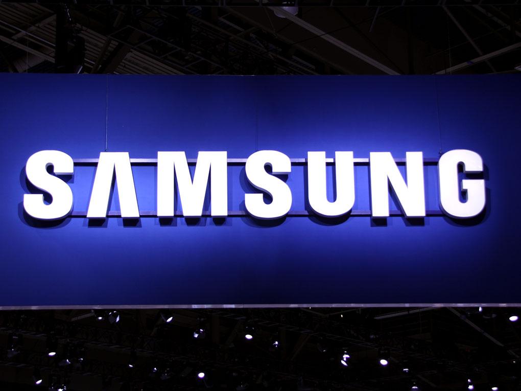 Samsung Galaxy S10 показан в реална снимка