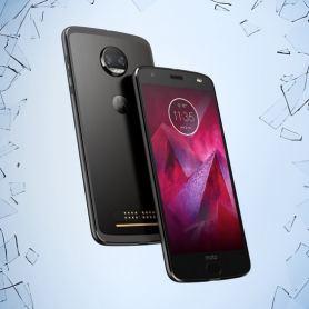 Motorola Moto Z2 Force премина през тестовете за издръжливост, но  екрана не успя (видео)