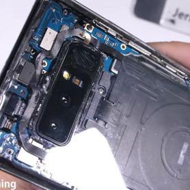 JerryRigEverything добавя към колекцията си прозрачен екземпляр от Galaxy Note 8