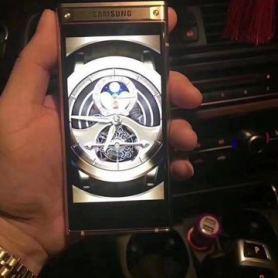 Първи реални снимки на Samsung W2018