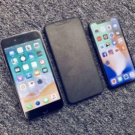 Макет на iPhone X Plus с 6.5-инчов екран един до друг заедно с iPhone X и iPhone 8 Plus