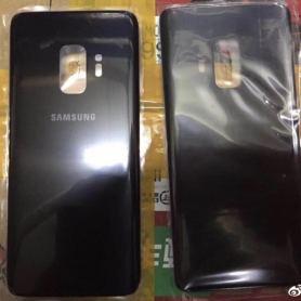 Задната част на Samsung Galaxy S9 показана на снимка