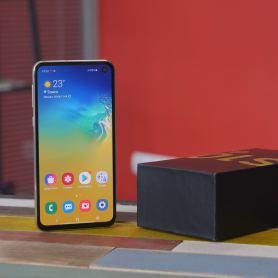 Samsung Galaxy S10 Lite ще получи по-обемна батерия от Galaxy S10 +
